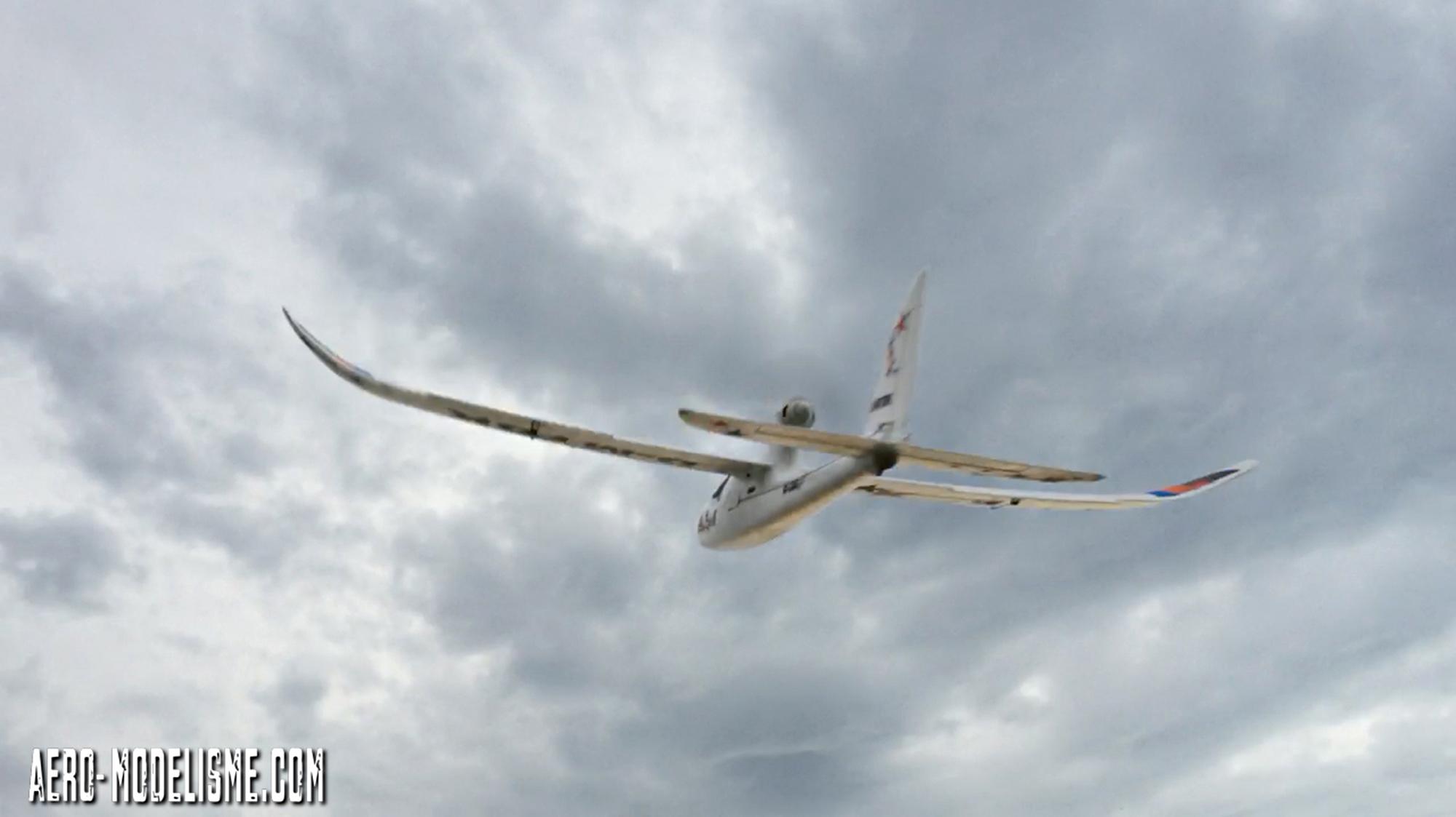Essais de l'EasyStar 2, avion radiocommandé pour débutant de Multiplex.
