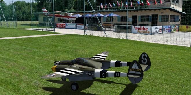 Simulateur d'avion rc Aerofly et le P-47 lightning dans la scène de Sazlburg en Autriche