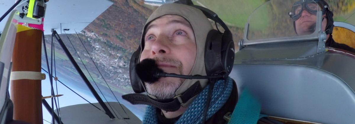 Matthieu Barreau en voltige à bord du SE-5 piloté par Edmond Salis