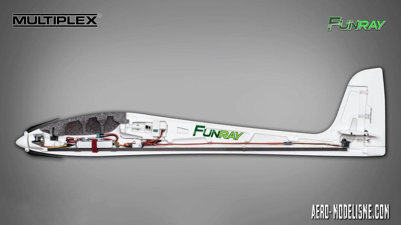 Détail de l'électronique du fuselage. Funray de Multiplex