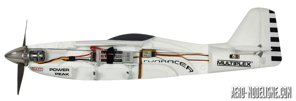 Le FunRacer vu en coupe avec sa configuration d'électronique.
