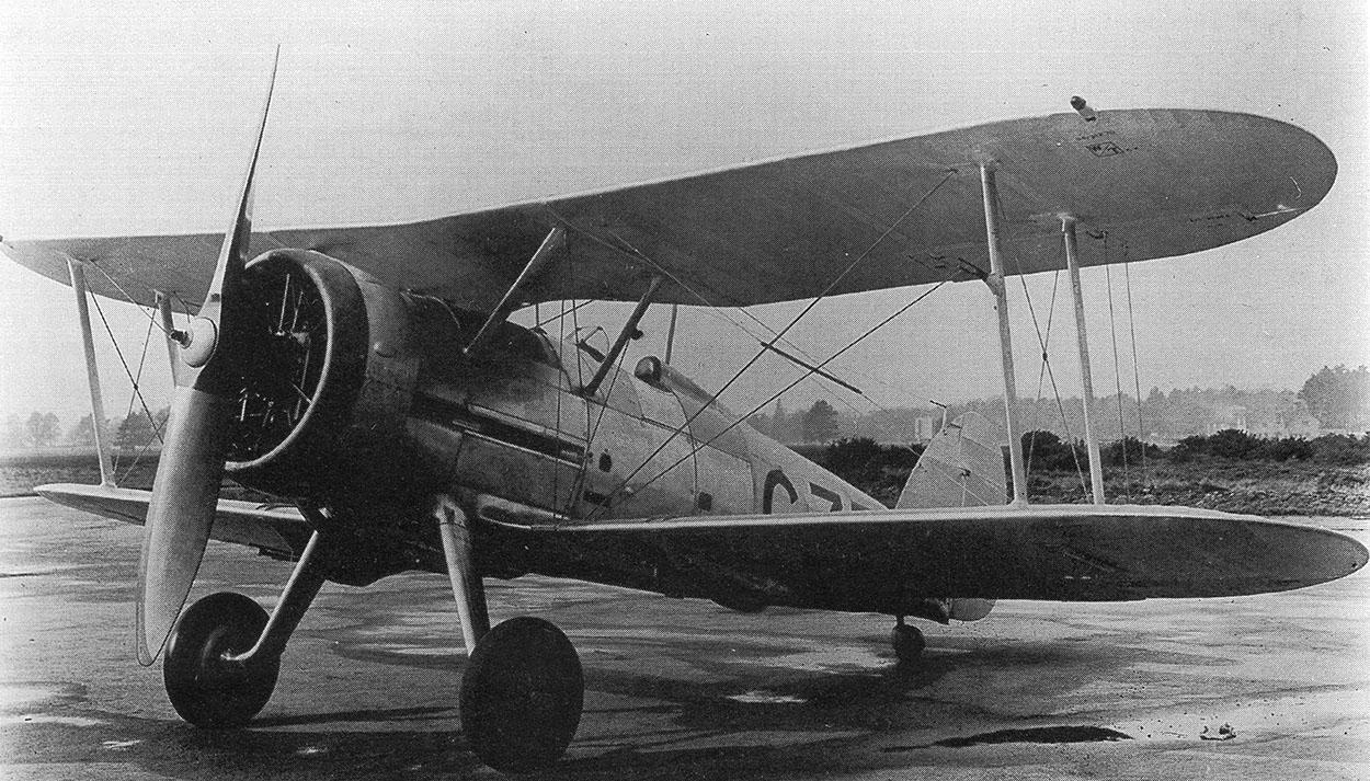 Le premier prototype Gladiator, avec fuselage Gauntlet, G-37, plus tard nommé K5200 ( Avril 1935 ).