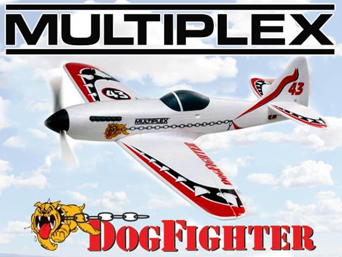 Le Dogfighter avec sa première déco. Une planche de stickers version camouflage était également disponible.