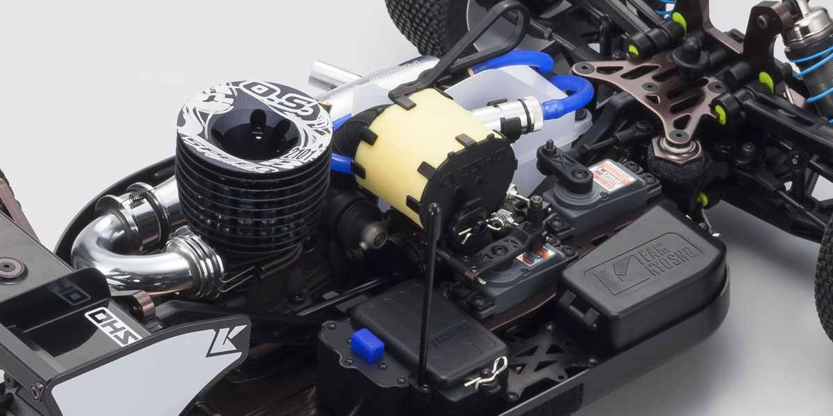 Filtre à air et emplacement de l'éŽlectronique ˆ en premier plan du Kyosho Inferno MP9 TKI4