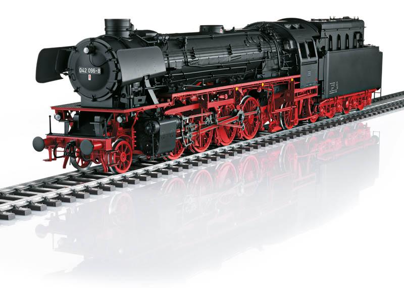 Locomotive Märklin à échelle 1 réf 55424 d'époque IV, représentant un modèle à vapeur avec tender séparé BR 042 et sa nouvelle chaudière haute performance et tender fuel 2´2´T34 de la Deutsche Bundesbahn (DB). Bn 042 096-8, dépôt Rheine.