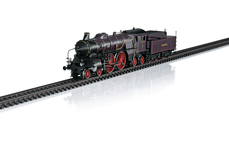 Locomotive MäŠrklin HO rŽepréŽsentant une locomotive ˆ vapeur pour trains rapides du type bavarois S 2/6 en livréŽe violet-brun avec cerclage de chaudière d'orŽ des chemins de fer royaux bavarois (K.Bay.Sts.B.), pour utilisation sur le rŽseau de la rive gauche du Rhin (rŽseau palatin). ƒtat de service autour de 1910 jusquÕen 1912. RŽf 37018. Source : MŠrklin.