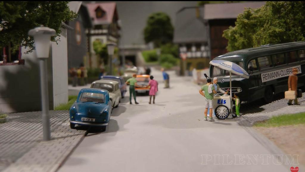 Scène de vie. Modellbundesbahn, un reŽseau de trains eŽlectrique HO allemangne. Source chaine youtube : Piletum TV