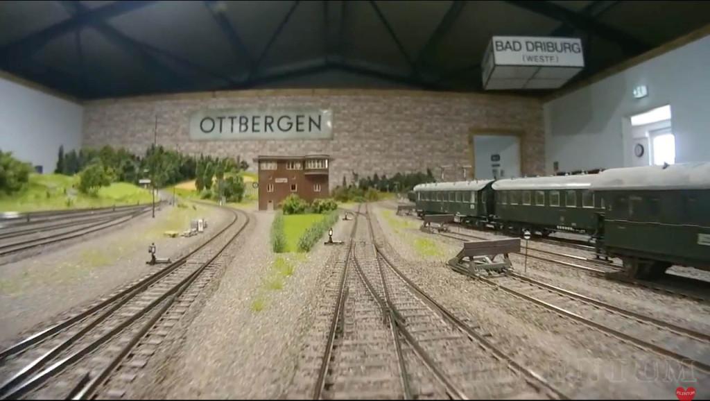 Gare d'Ottbergen. Modellbundesbahn, rŽéseau HO allemangne. Source chaine youtube : Piletum TV