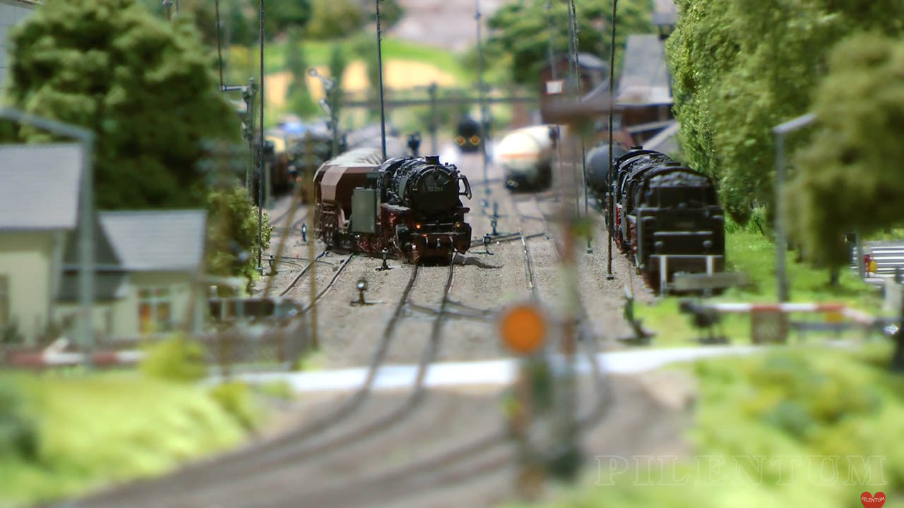 Modellbundesbahn, un rŽéseau de trains Žélectrique HO allemangne. Source chaine youtube : Piletum TV