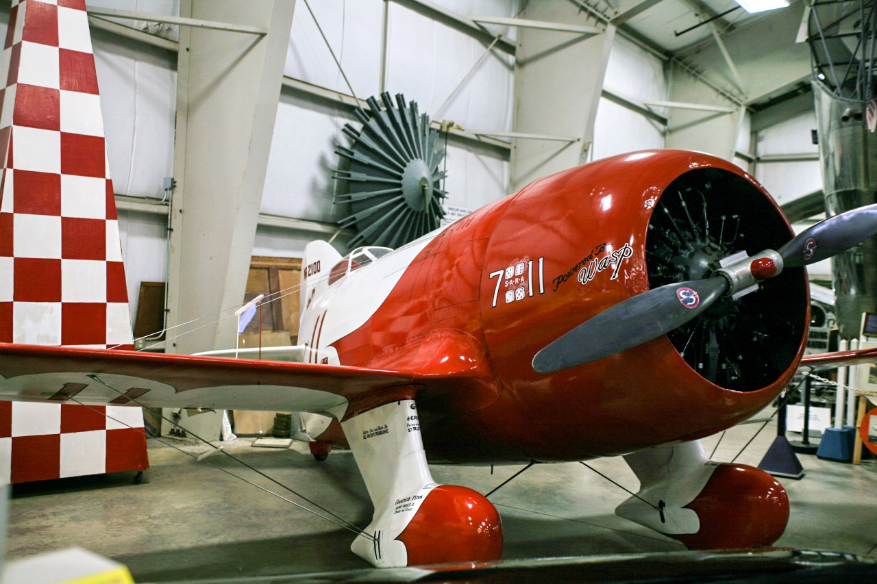 Le Gee Bee R-1 du New England Air Museum. Crédit CC wikipedia.