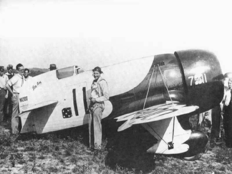 Le Gee Bee R-1 dans sa version Bobtail lors du premier vol.