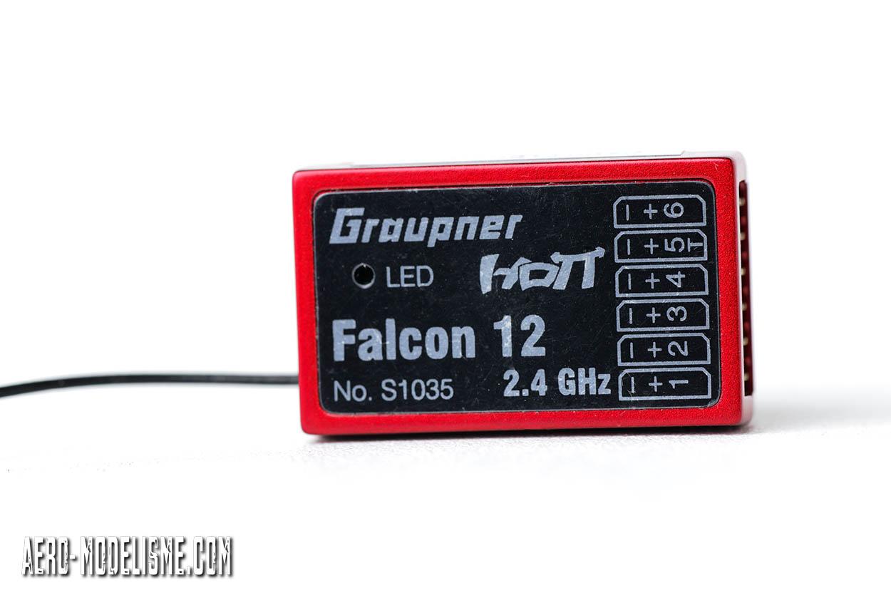 Le récepteur Graupner Falcon 12 livré avec la radio MZ 12 pro.